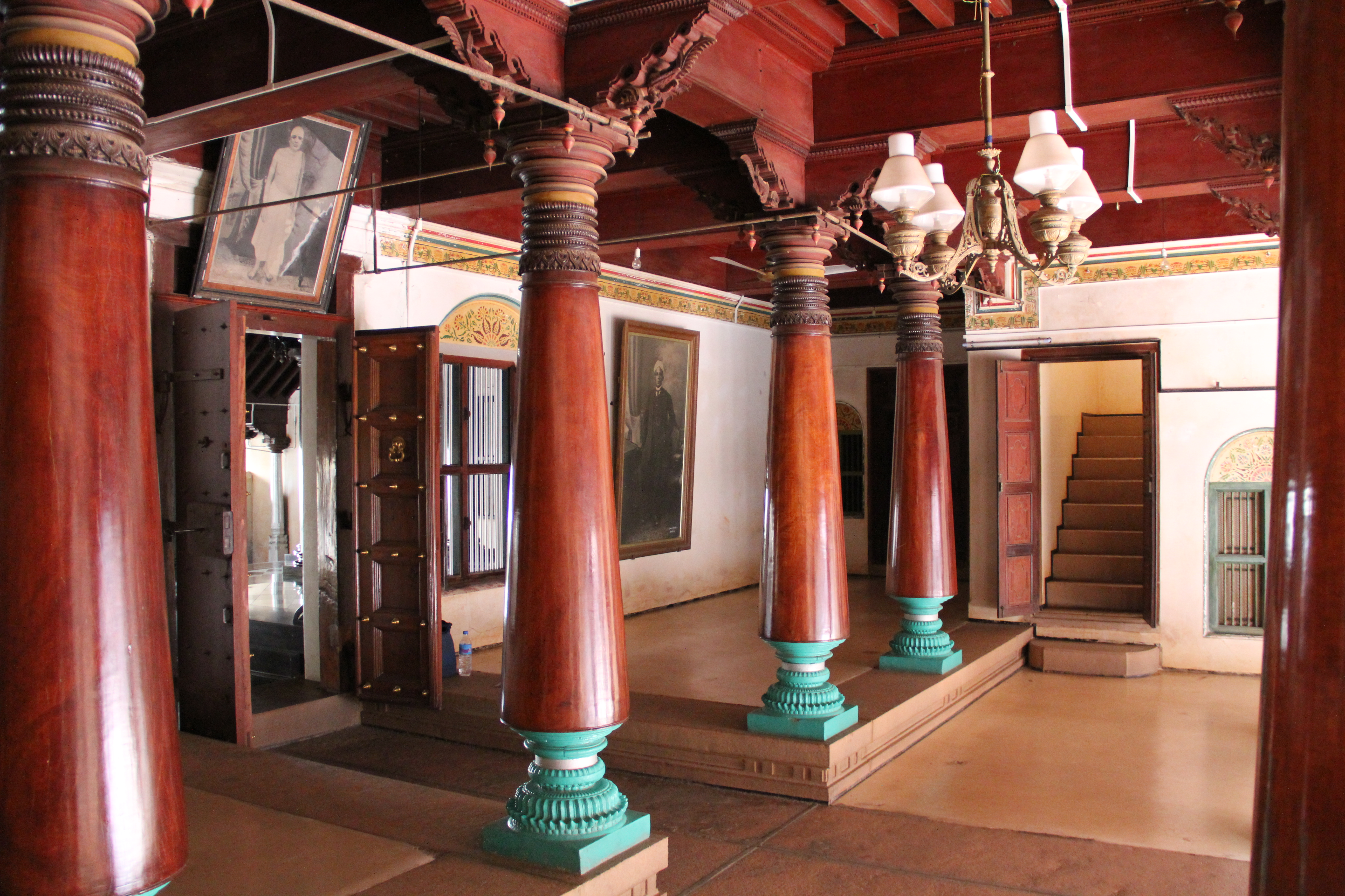 Img 2459 postmarkfromfoster for Kerala home pillar designs